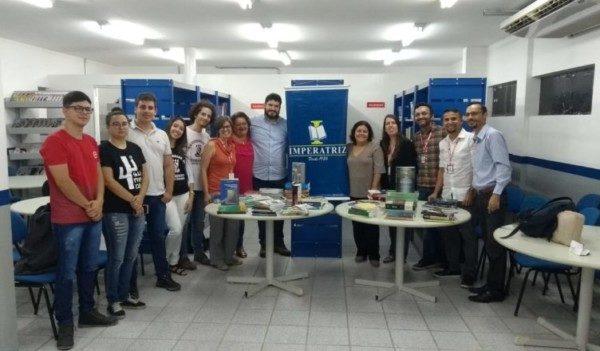 Livraria Imperatriz faz doação de livros para Biblioteca da UPE Caruaru